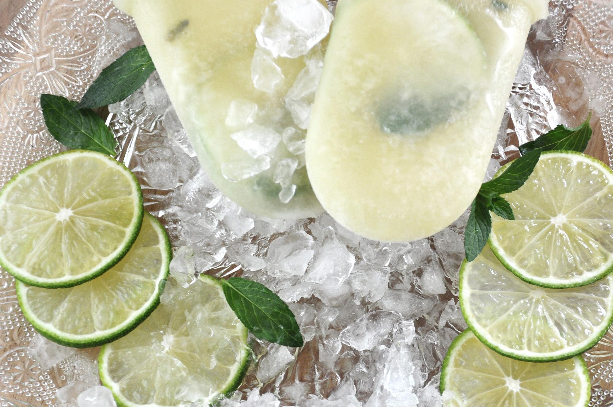 Mojito-Wassereis – ein Cocktail zum Erfrischen