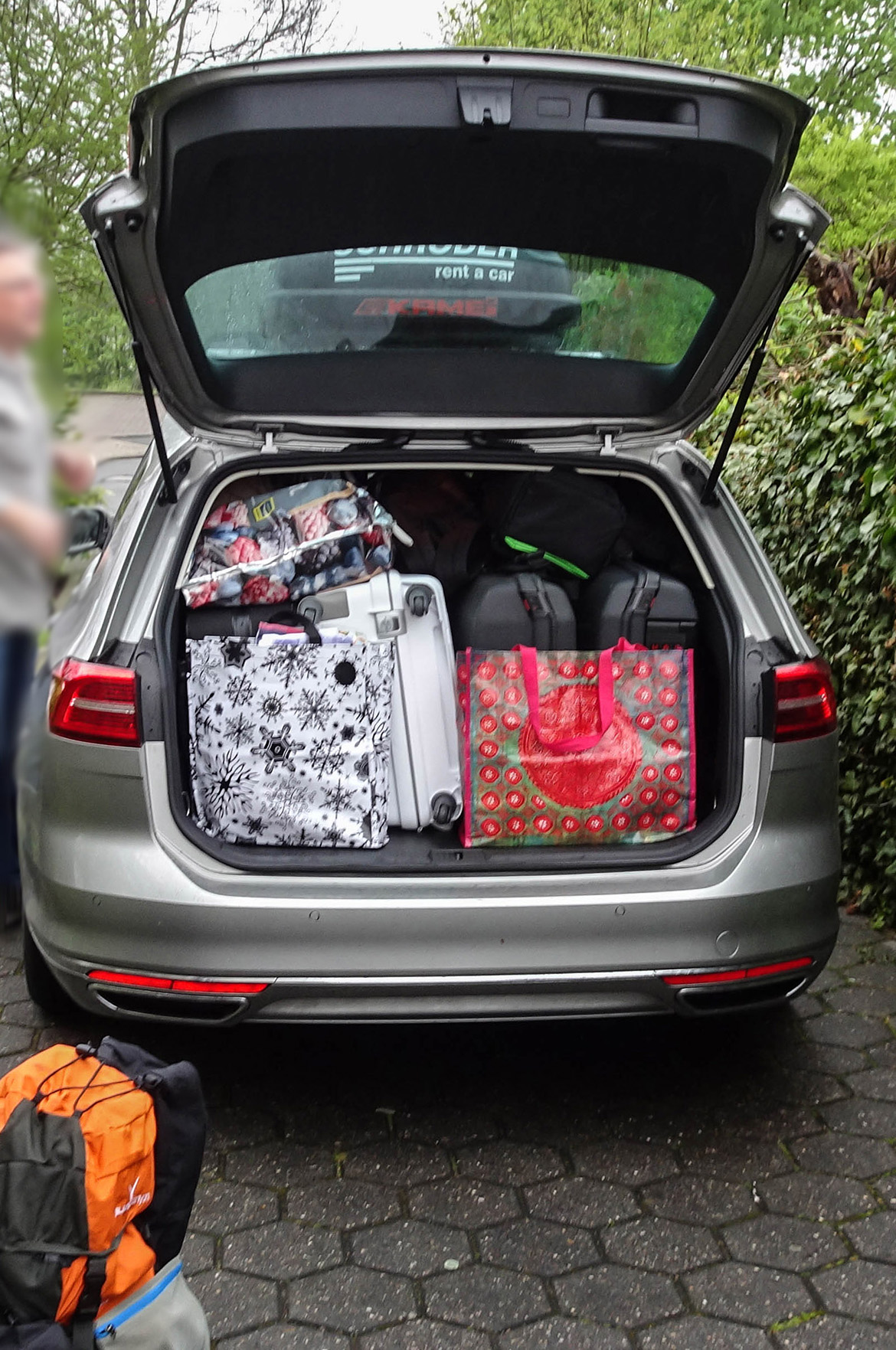 gepacktes Auto für Italien-Urlaubsreise