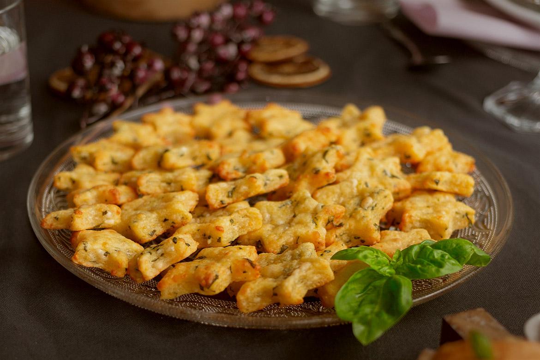 Parmesan-Basilikum-Sternchen