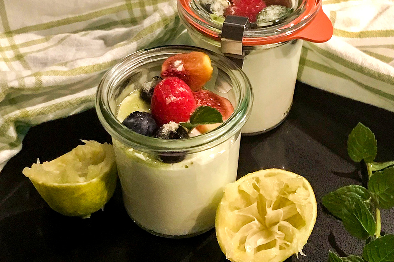 Limettenjoghurt mit Minzzucker