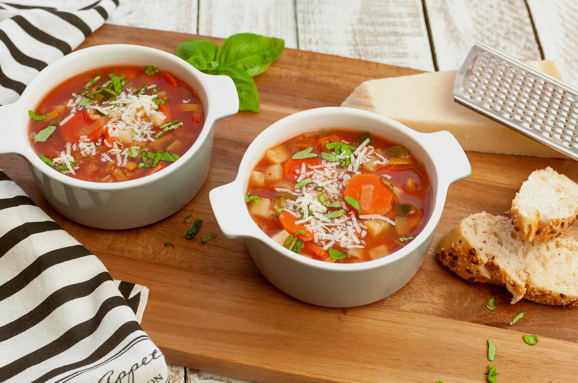 Minestrone - Italienische Gemüsesuppe