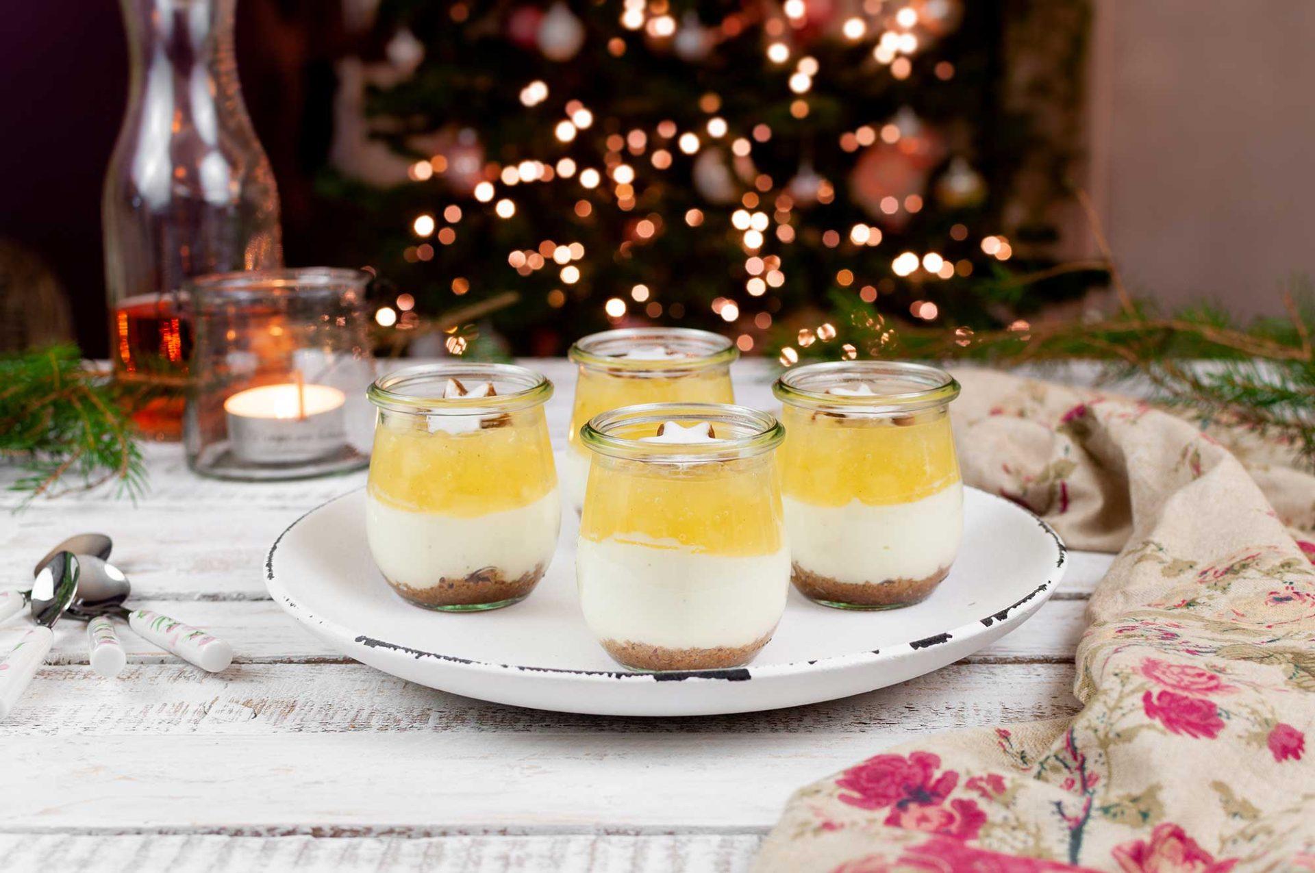 Weihnachtliches Quarkdessert mit Birnen-Apfel-Grütze
