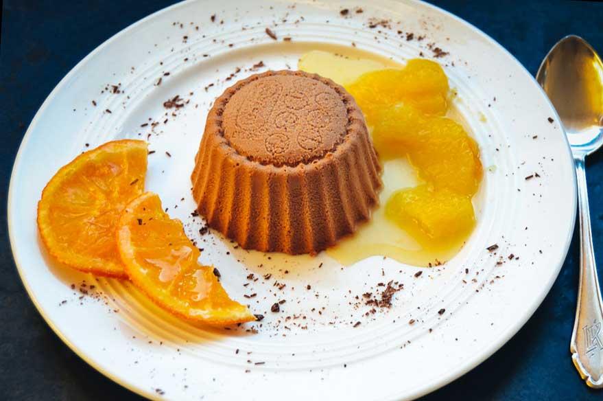 Nougat Parfait mit Orangenkompott und kandierten Orangen