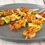 Garnelen-Ananas-Spieße mit Frühlingszwiebeln