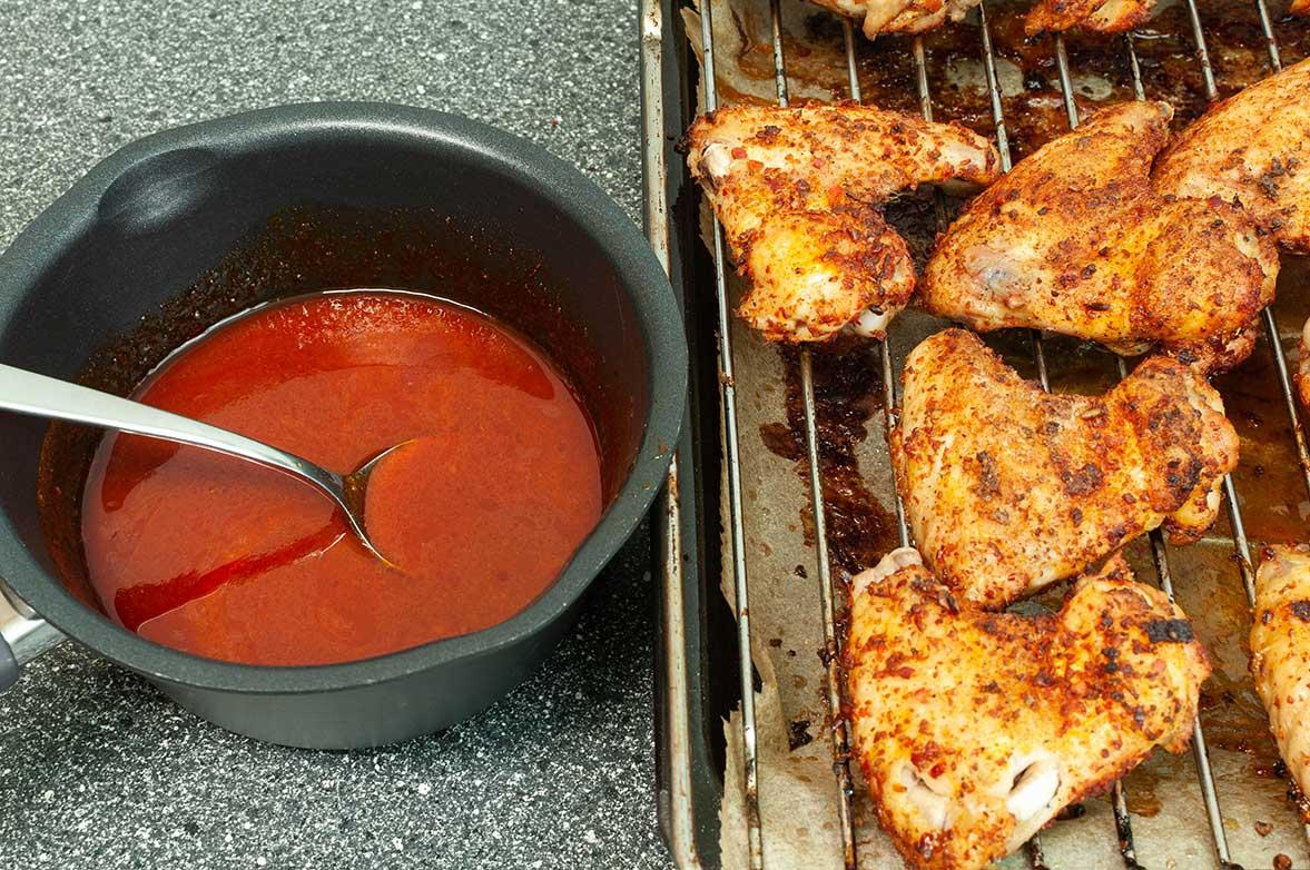 Chicken-Wings mit Harissa-Orangen-Honig-Sauce